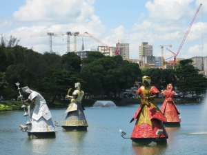Orisha statues by Tatti Moreno (photo: Sabrina Gledhill, 2012)
