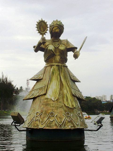 Statues on the Dique do Tororó (3/3)